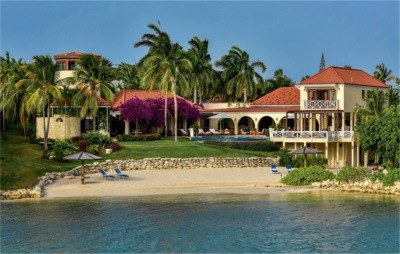 6 Bedroom Beach Vacation Villa to Rent in Antigua, Caribbean