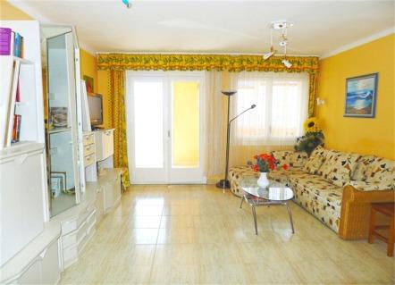 bedroom frontline holiday apartment in empuriabrava costa brava