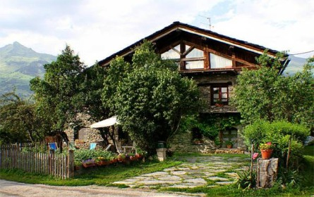 Bourg Saint Maurice Self Catering Vacation Lodges Chalets Cottages Holiday Houses